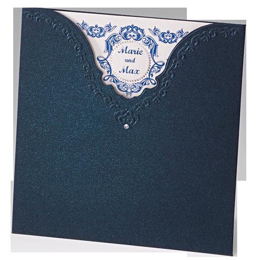 Ein royalblauer Premiumkarton der mit einer wunderbaren Prägung exklusiv veredelt wurde unterstreicht den festlichen Charakter dieser Hochzeitskarten eindrucksvoll. Online bestellen - nur bei uns! top-kartenlieferant