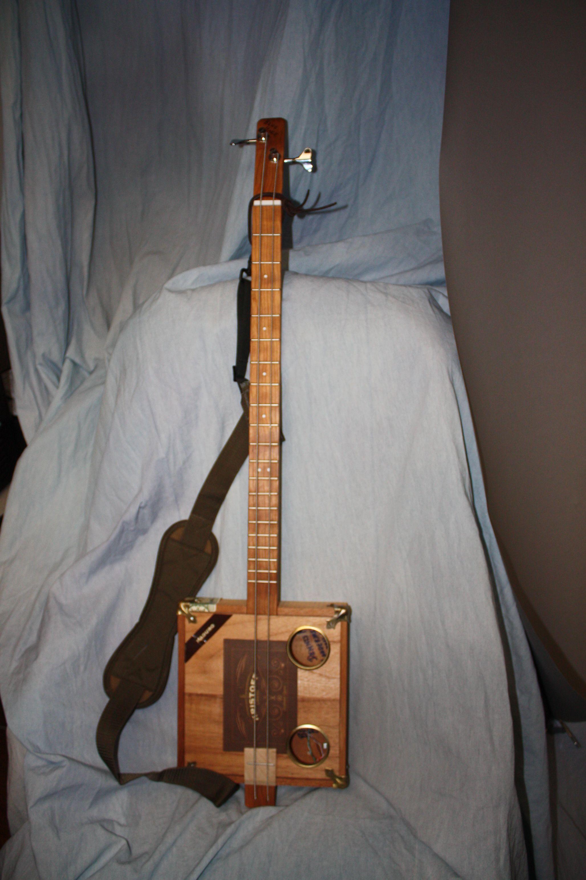 blue haze cigar box 2 string bass guitar shop music instruments guitar box guitar cigar. Black Bedroom Furniture Sets. Home Design Ideas