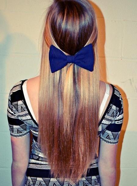 cant wait to have long hair si i can wear bows 24/7 againn