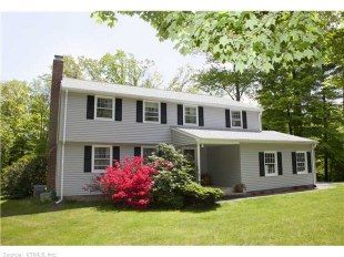 Sold 12 Redstone Dr Weatogue Ct 06070 Fab Col In Amazing Neighborhood Name Super Sunny Level Yard Yard Design The Neighbourhood Composite Decking