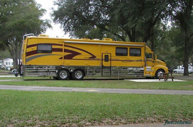 Pin By Mama Adams On Pictures Of Themed 18 Wheelers Kenworth Trucks Kenworth Luxury Motorhomes