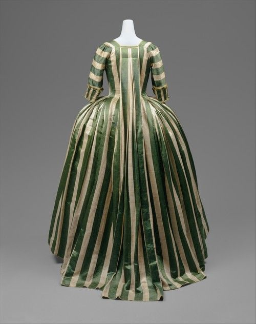 French robe a la francaise at the Met, ca. 1778-85
