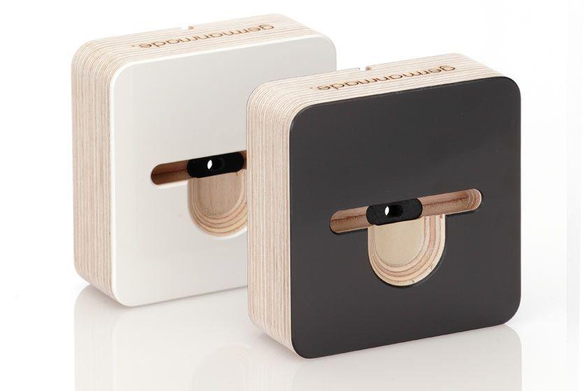 iphone-5-dock-wooden-both