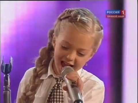 8 Year Old Talented Ukrainian Girl - Anastasia Petrik - Singing Oh Darli...