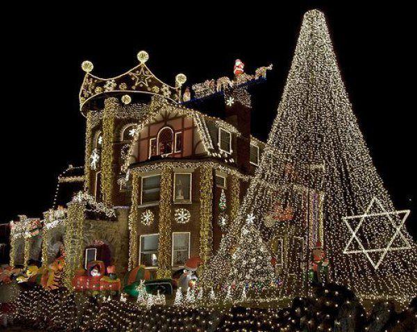 15 Mesmerizing Outdoor Christmas Lighting Ideas Home Decor