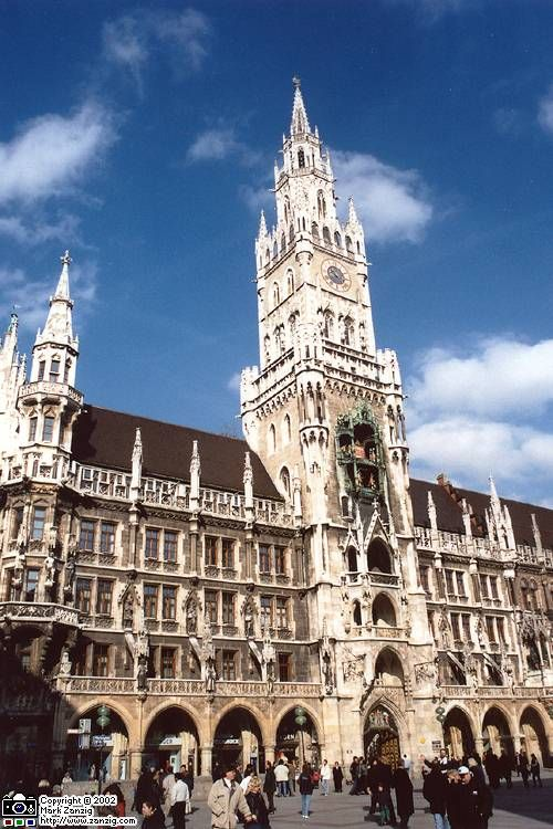 City Hall Marienplatz Munich Clock Tower I Was Lucky Enough To Visit Here And Be Witness To The Love Fest I W Munich Czech Republic Travel Clock Tower