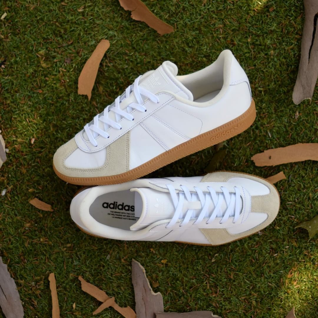adidas BW Army White Gum . DisponibleAvailable : SNKRS.COM