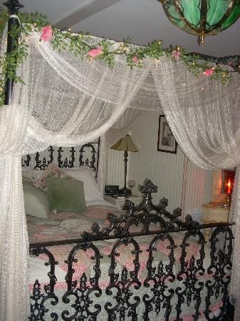 king canopy bed drapes | Canopy Curtains Queen on Images Of Canopy Queen Bed & king canopy bed drapes | Canopy Curtains Queen on Images Of Canopy ...