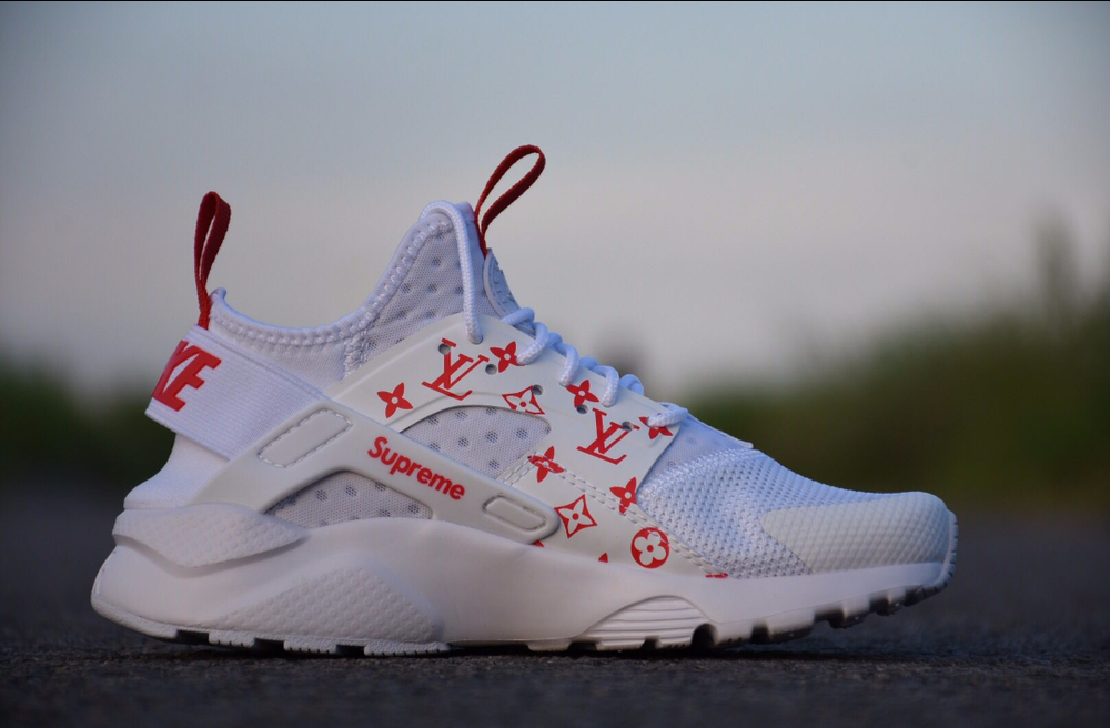 c10b655b3699 Image of NIKE AIR HUARACHES CUSTOM SUPREME