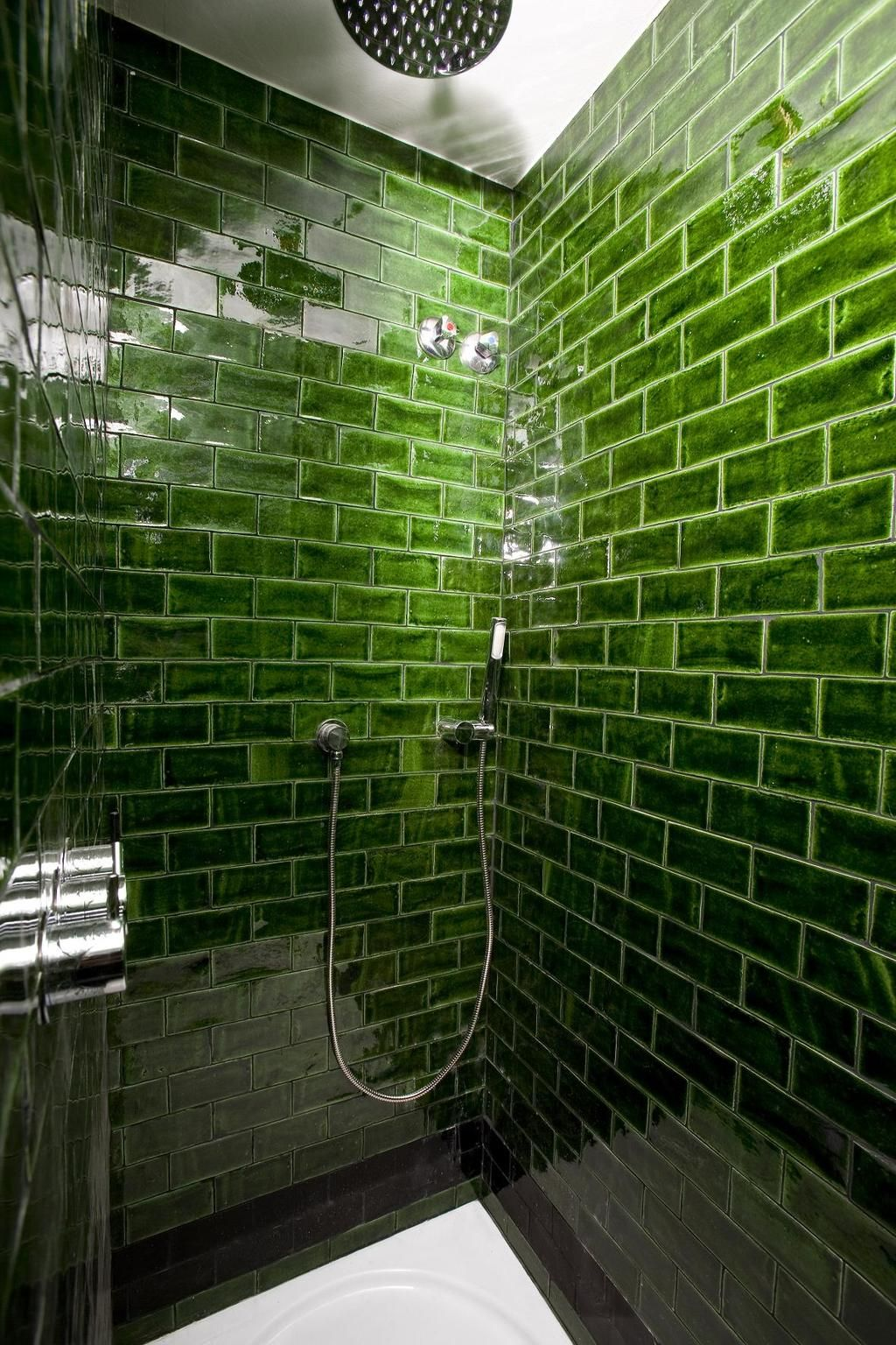 Gorgeous green tiled shower - Hotel Praktik Rambla | Green Envy ...