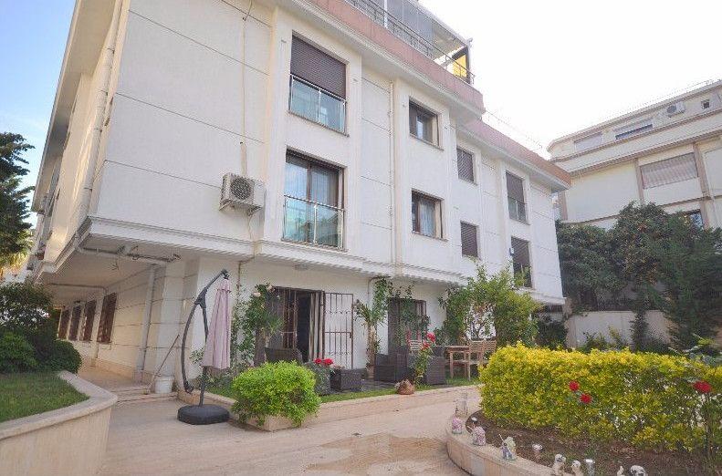 Garden Floor Apartment In Istanbul For 4 Bedroom