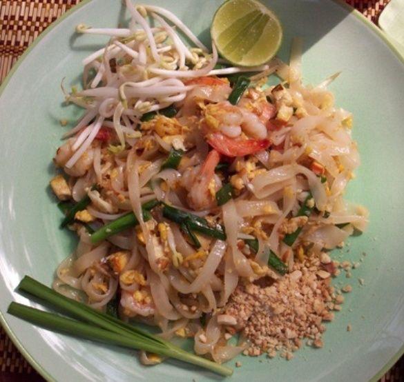 Resep Kwetiau Goreng Dan Cara Membuat Bacaresepdulu Com Resep Resep Masakan Indonesia Resep Makanan