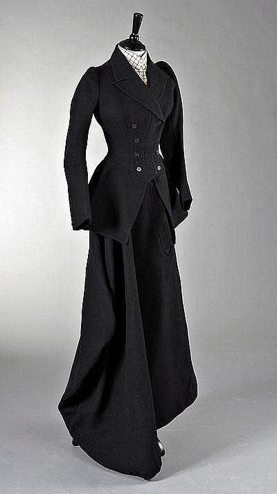 A lady's riding habit, English, circa 1890 #englishdresses1880