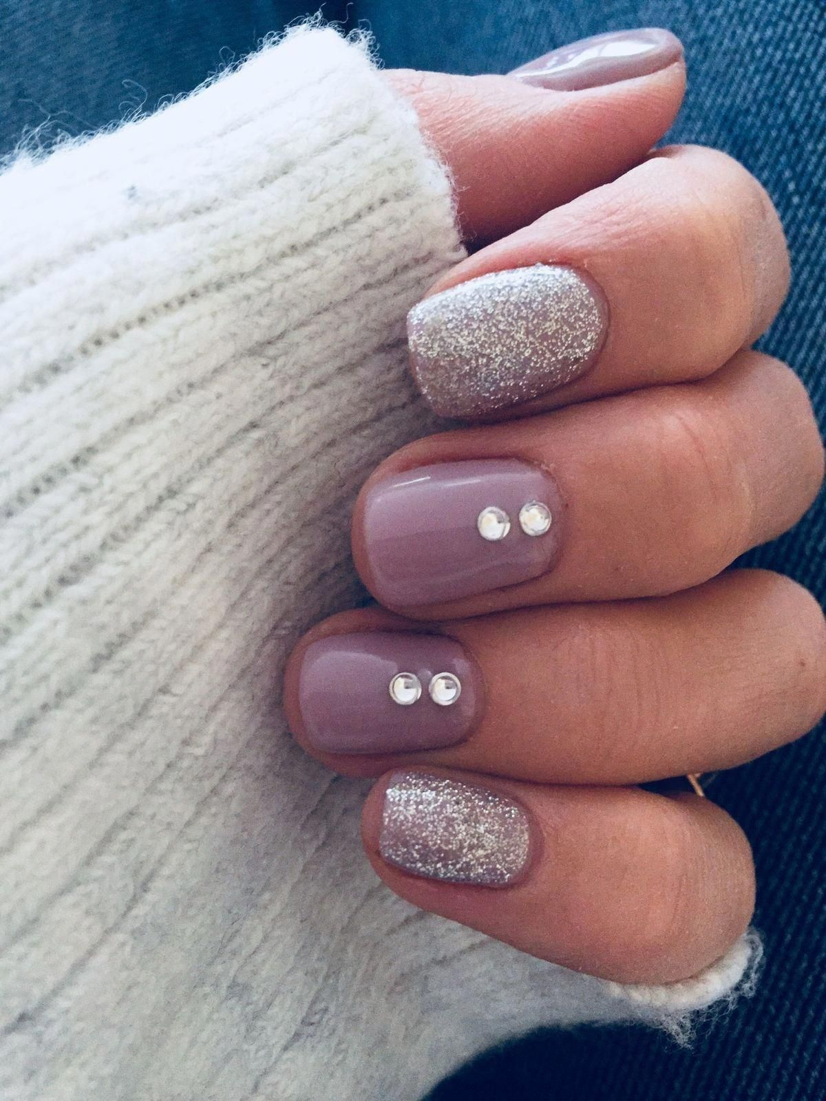 70 Simple Nail Design Ideas That Are Actually Easy Simplenaildesigns Fall Gel Nails Winter Nail Designs Winter Nails