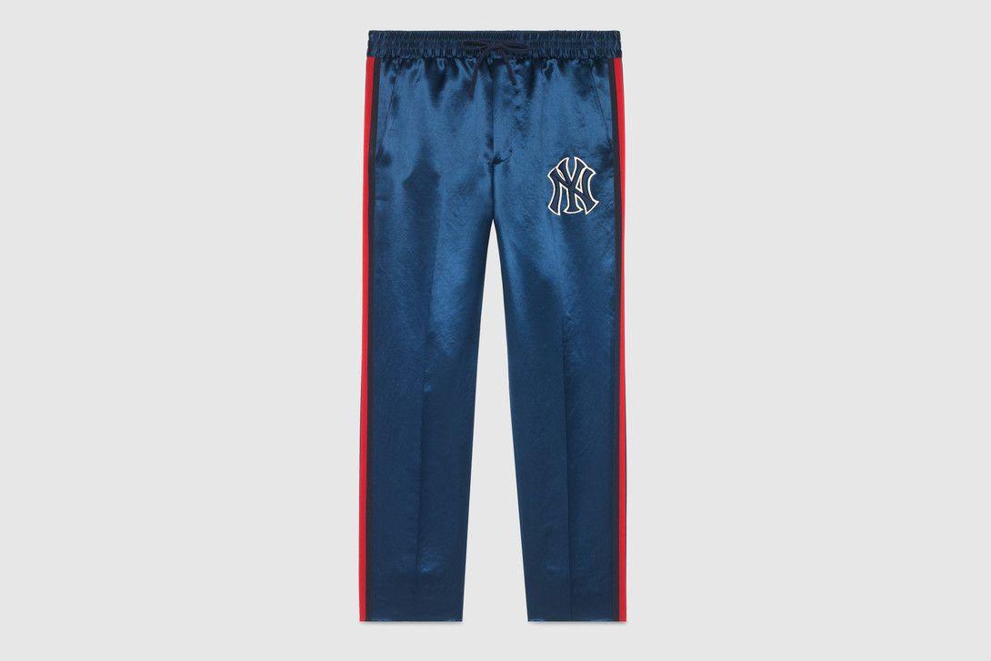 b10ca681833 Supreme Fall Winter 2018 Drop 5 Release Info kazuki kuraishi the north face  black collection bape Predator Guerrilla Group New York Yankees Gucci Verdy  ...