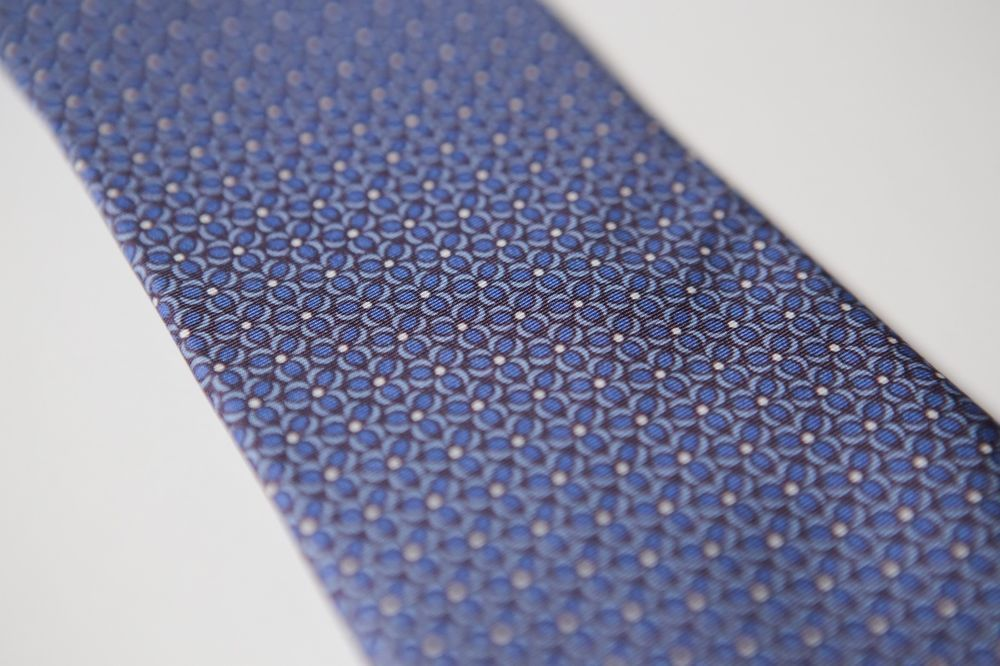 d669f6ed445f Beautiful Blue Geometric BLOOMINGDALE'S Printed Silk Tie #fashion #clothing  #shoes #accessories #mensaccessories #ties (ebay link)