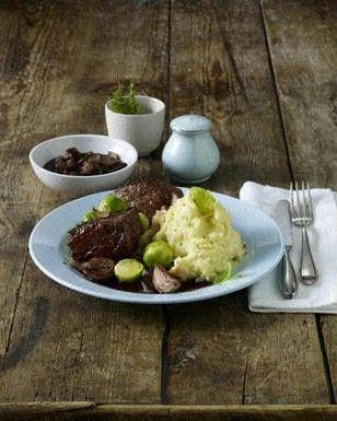 Das Rezept für Rinderfilet-Steak mit Selleriepüree und weitere kostenlose Rezepte auf LECKER.de