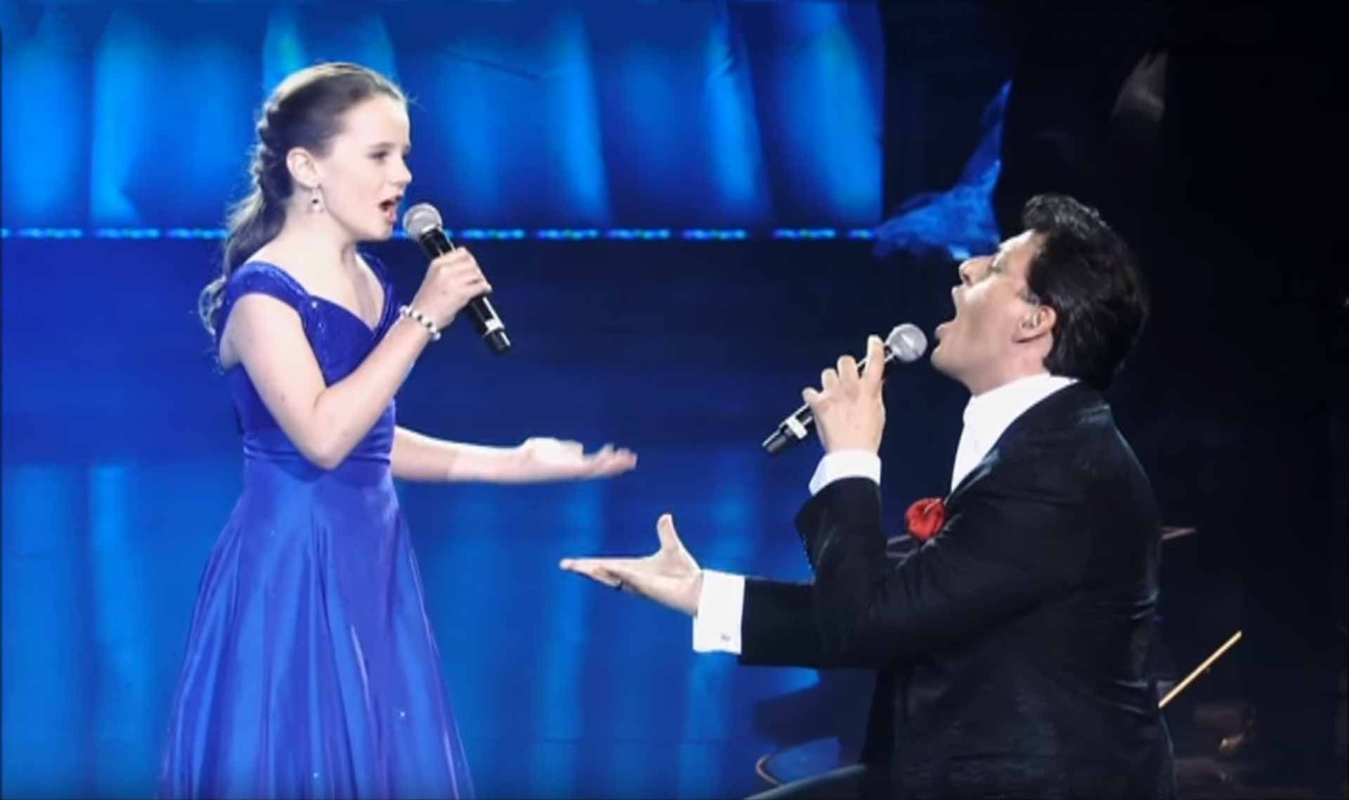 12 Year Old Performs Astonishing Duet With Opera Star Little Girl Singing Singing Videos Child Singers
