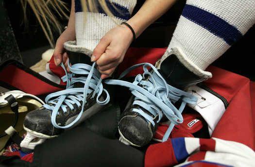 Girl hockey players a passionate, small sisterhood in KC - KansasCity.com