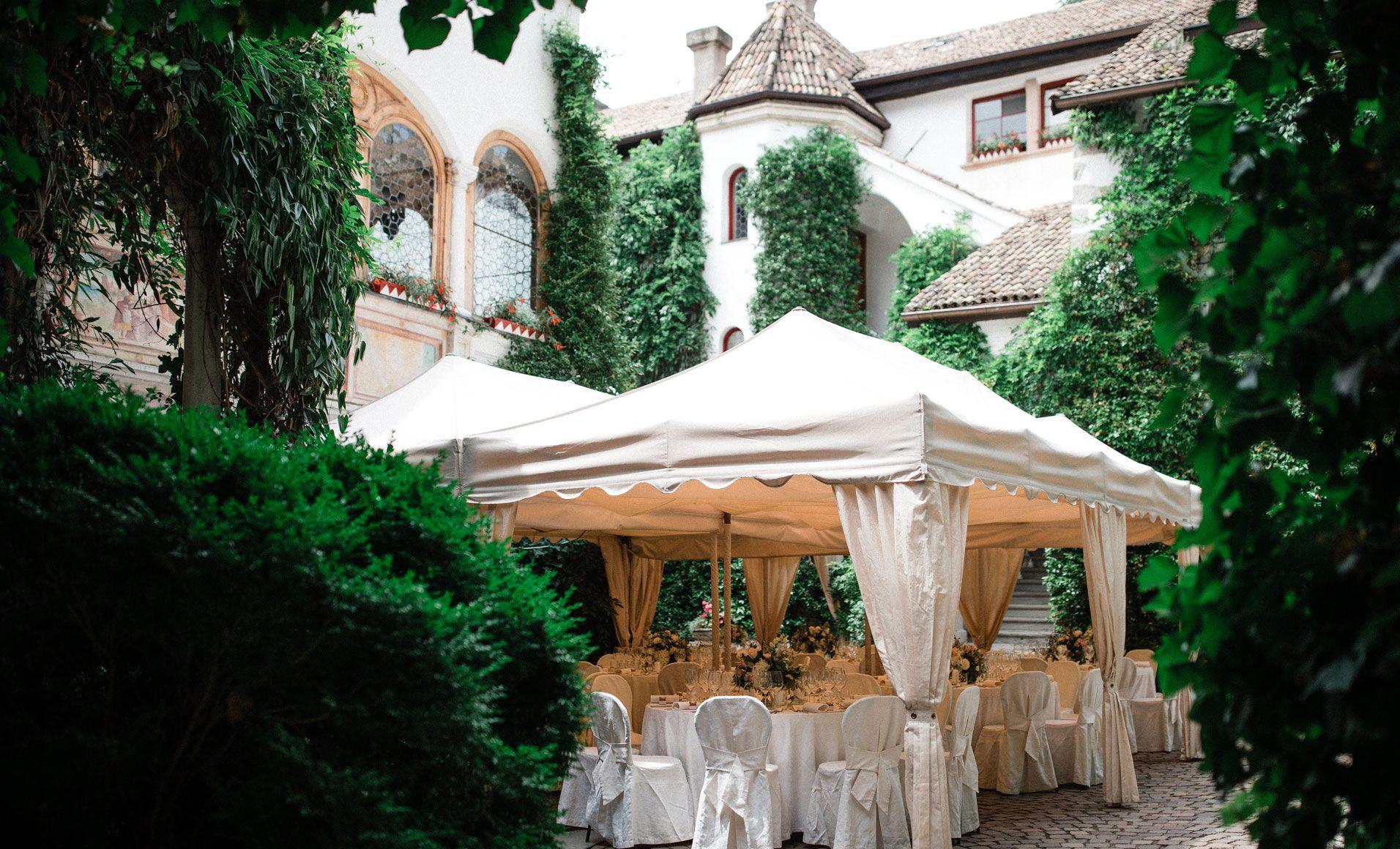 Castle Rubein Weddings By Wedding Designer Hannah Elia I Hochzeit In Schloss Rubein I Matrimonio In 2020 Sudtirol Italien Hochzeit Catering Bozen Sudtirol