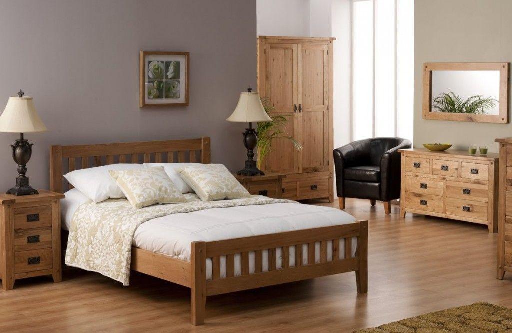 Decoración de dormitorio con muebles de algarrobo