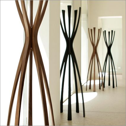Porada Flamingo Coat Stand Cetto Walnut By Gino Carollo