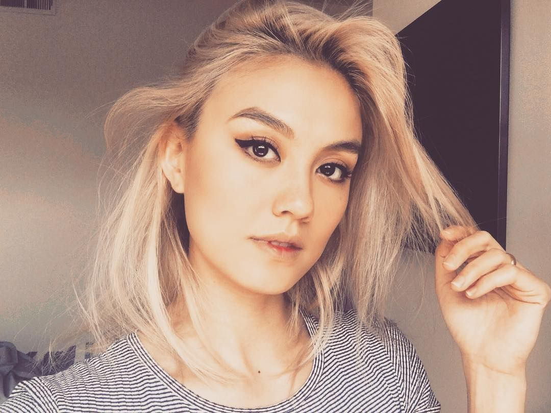 """AGNEZ MO (@agnezmo) on Instagram: """"Miss my blonde hair 😝# ..."""