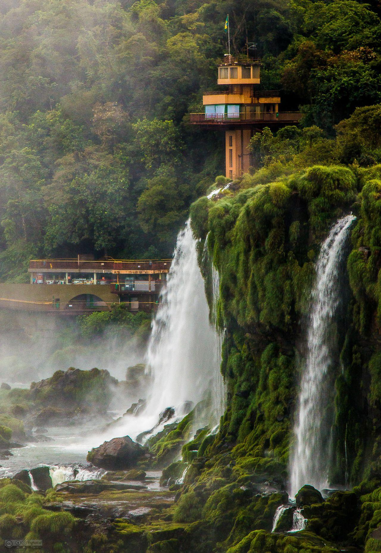 Iguazú Falls, Brazil/Argentinia by Henry Vagrant