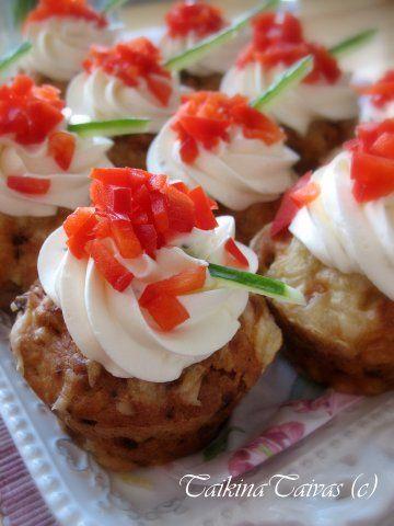Broileri-ananas-sinihomejuusto muffinssit
