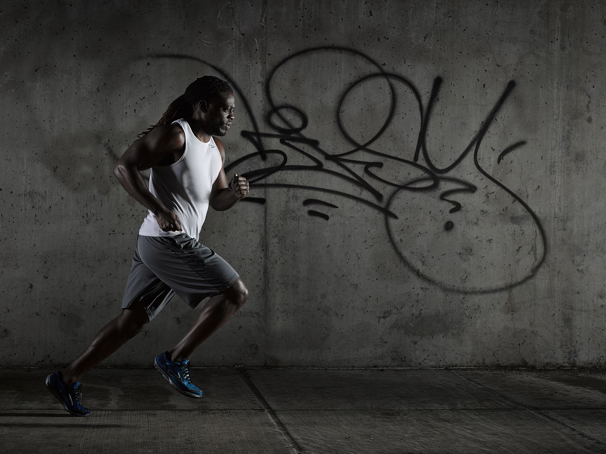Outdoor fitness lifestyle photography in an urban setting ...