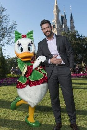 2015 Disney Parks Christmas Broadcast Details - LaughingPlace.com