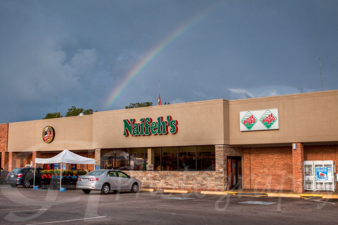 Naifeh\'s Market in Munford, TN. This is a really nice grocery store ...