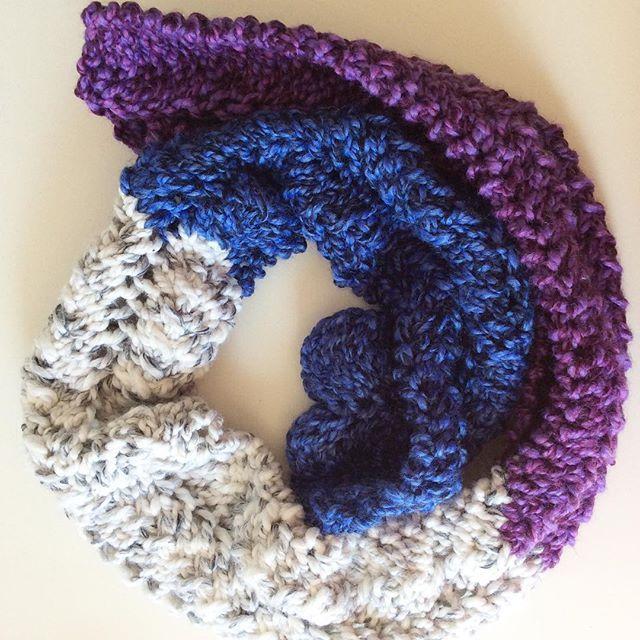 Free knitting pattern: Regal Neapolitan Scarf in Lion Brand Wool ...
