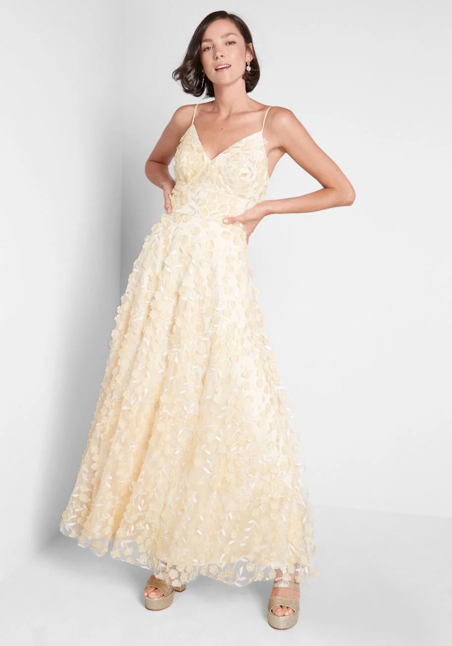 A Floral Engagement Maxi Dress Modcloth Wedding Dress Pretty Dresses Fancy Dresses [ 1304 x 913 Pixel ]