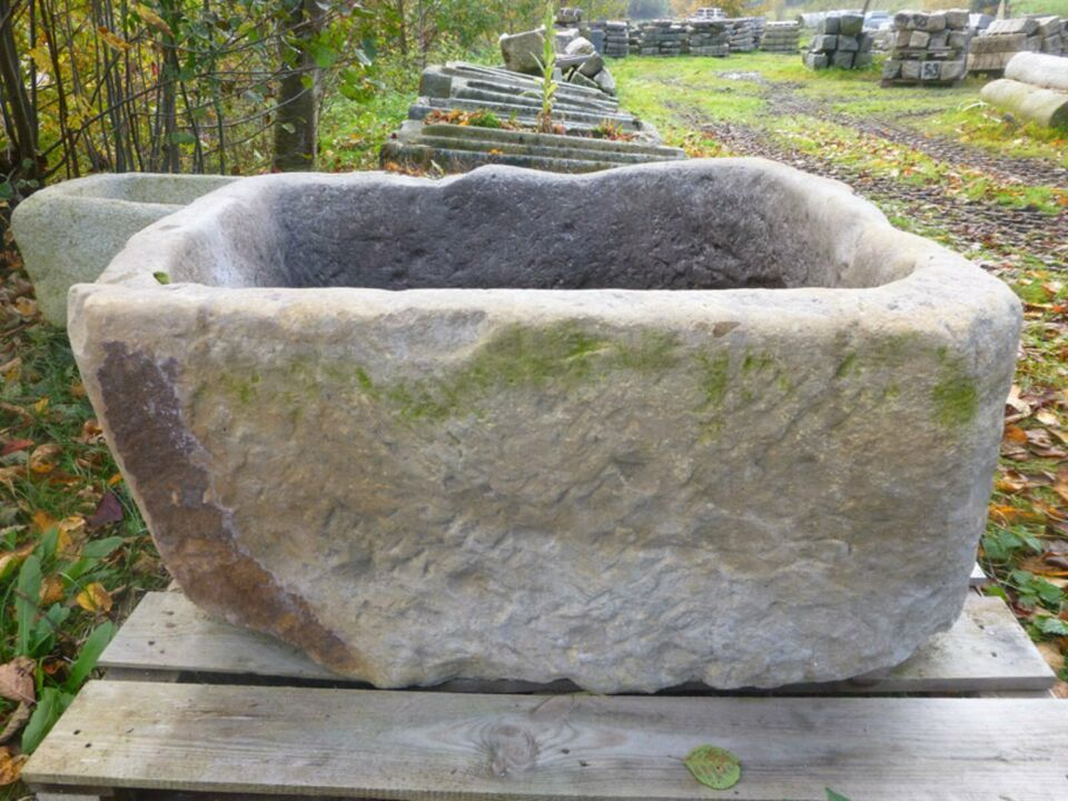 Alter Handgehauener Sandsteinbrunnen Wassergrand Steintrog In Bayern Eppenschlag Ebay Kleinanzeigen Brunnen Ebay Kleinanzeigen Natursteine