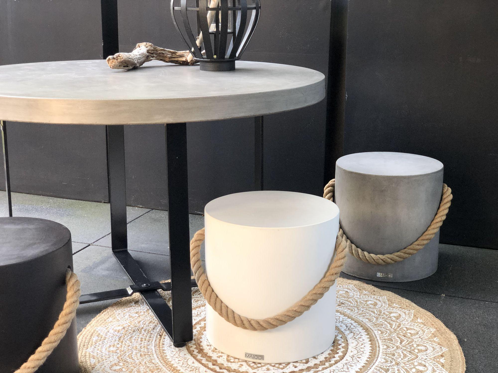 schöner Esstisch mit Beton Tischplatte rund 120 cm und ...