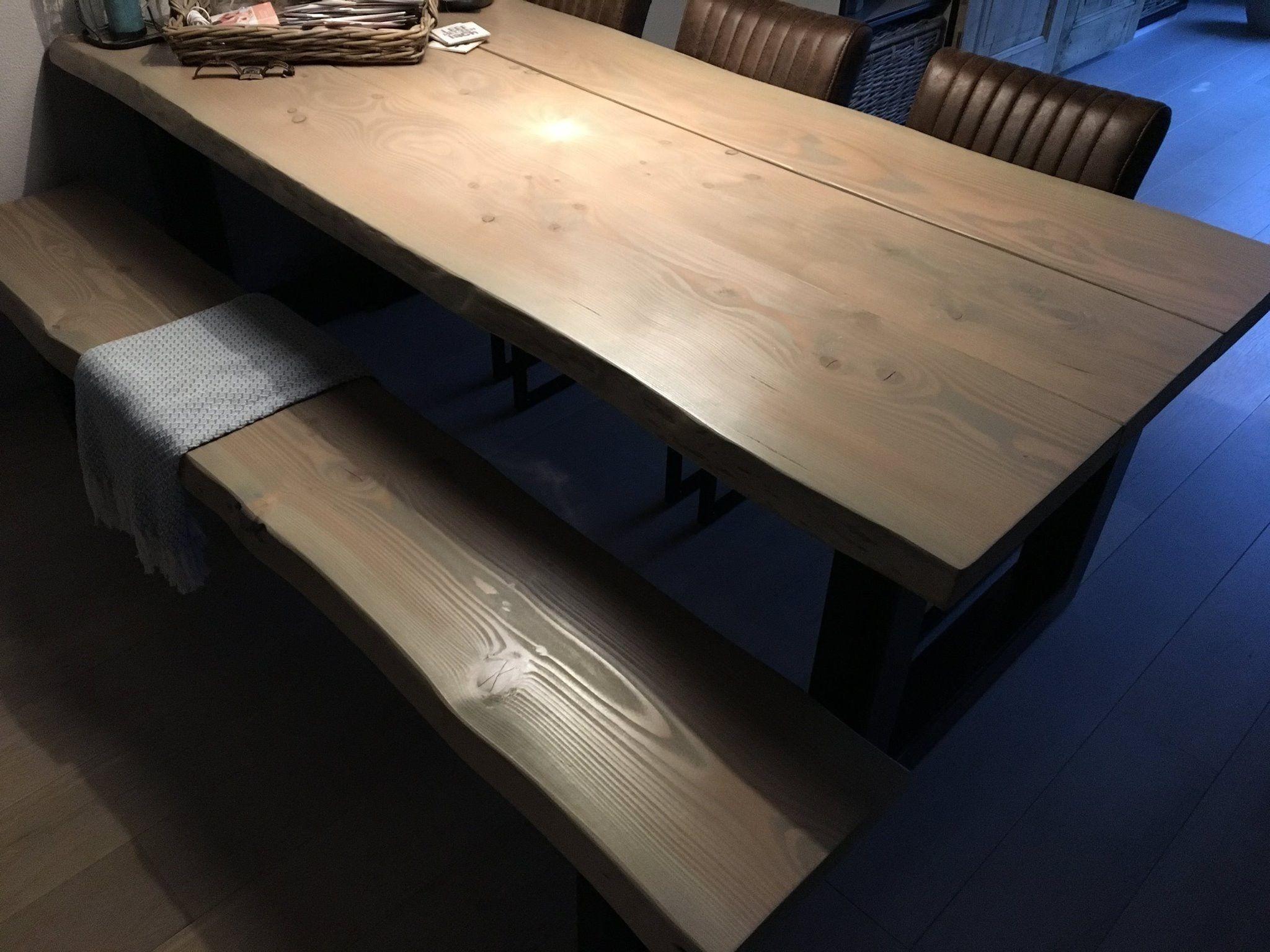 Douglas tafel en bank met greywash afwerking. vraag aan berg24 om de
