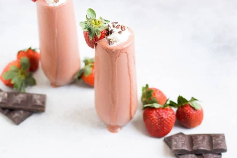 Chocolate Dipped Strawberry Smoothie #chocolatestrawberrysmoothie This Chocolate Strawberry Smoothie is a simple treat full of fresh berries and chocolate. The taste of chocolate dipped strawberries in a thick, creamy smoothie. Makes a great snack to pick up your day. Chocolate #chocolatestrawberrysmoothie Chocolate Dipped Strawberry Smoothie #chocolatestrawberrysmoothie This Chocolate Strawberry Smoothie is a simple treat full of fresh berries and chocolate. The taste of chocolate dipped strawb #chocolatestrawberrysmoothie