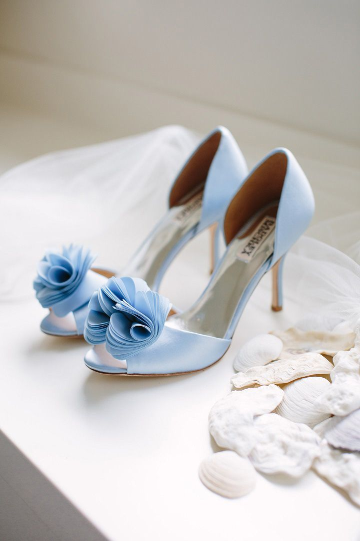 Something blue wedding shoes | Badgley Mischka wedding heels | fabmood.com #weddingshoes #weddingheels