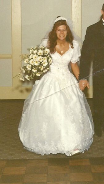 My hilariously tragic \'first wedding\' gown pictures – post yours ...