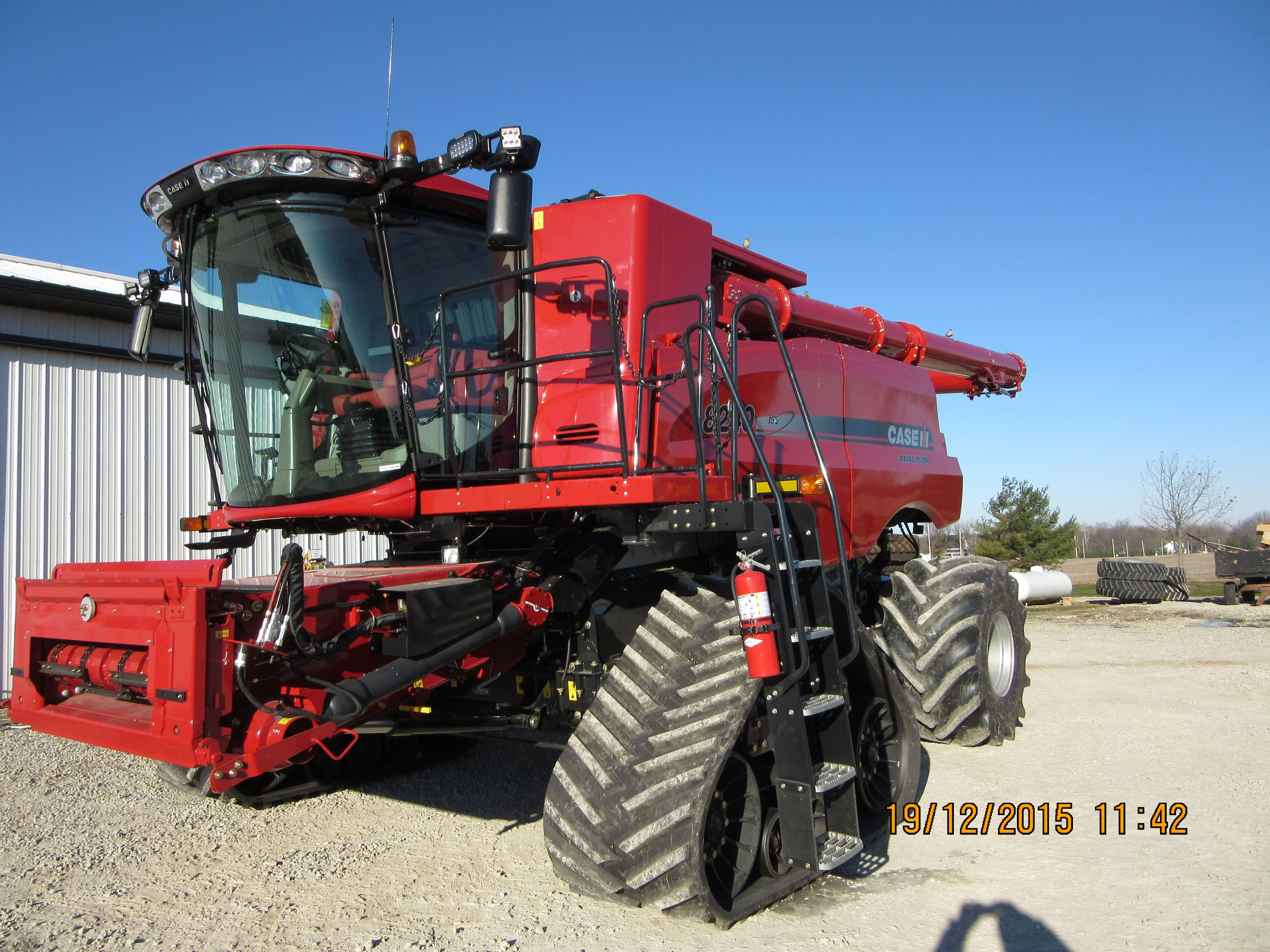 CaseIH 8240 axial flow track combine International Tractors, International  Harvester, Vintage Tractors, Case