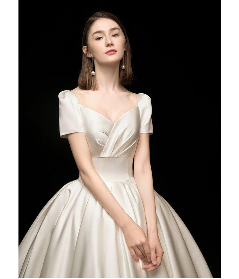 2020 New Swan Poem Temperament Towed Main Wedding Dress Etsy In 2020 Etsy Wedding Dress Trending Outfits Wedding Dresses
