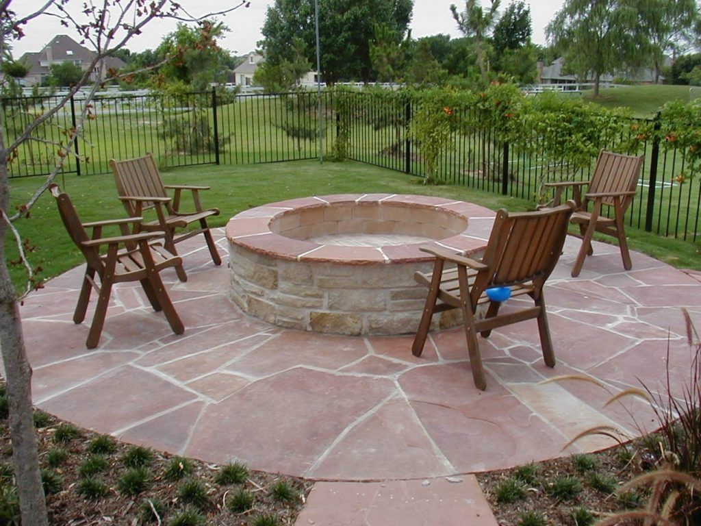 Delicieux Impressive Outdoor Wood Patio Flooring Also A Lots Of Walmart Foldable  Outdoor Chairs On Top Of Red Flagstone Pavers And Round Natural Stone Fire  Pit ...