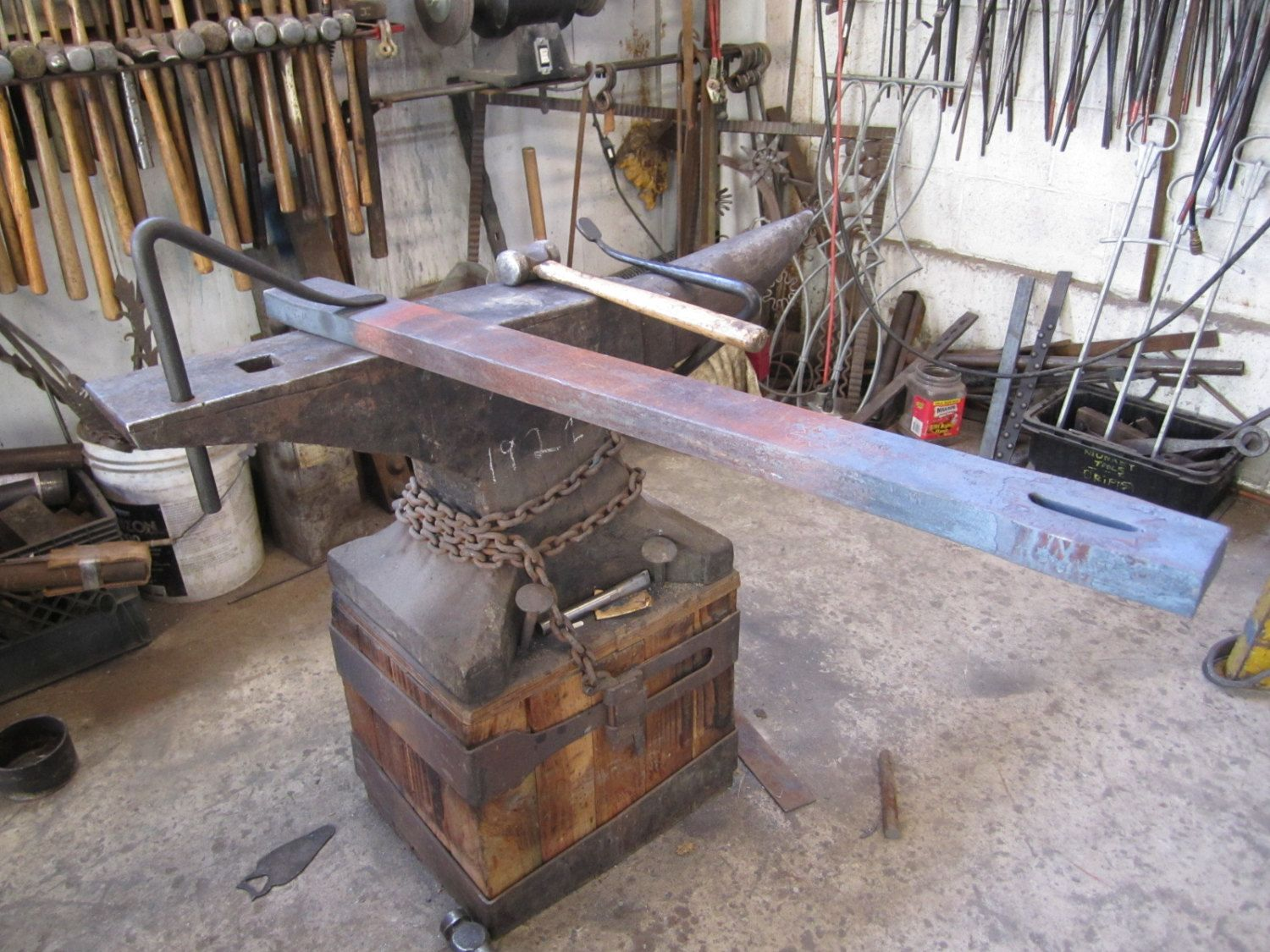 Now that's a sweet anvil!