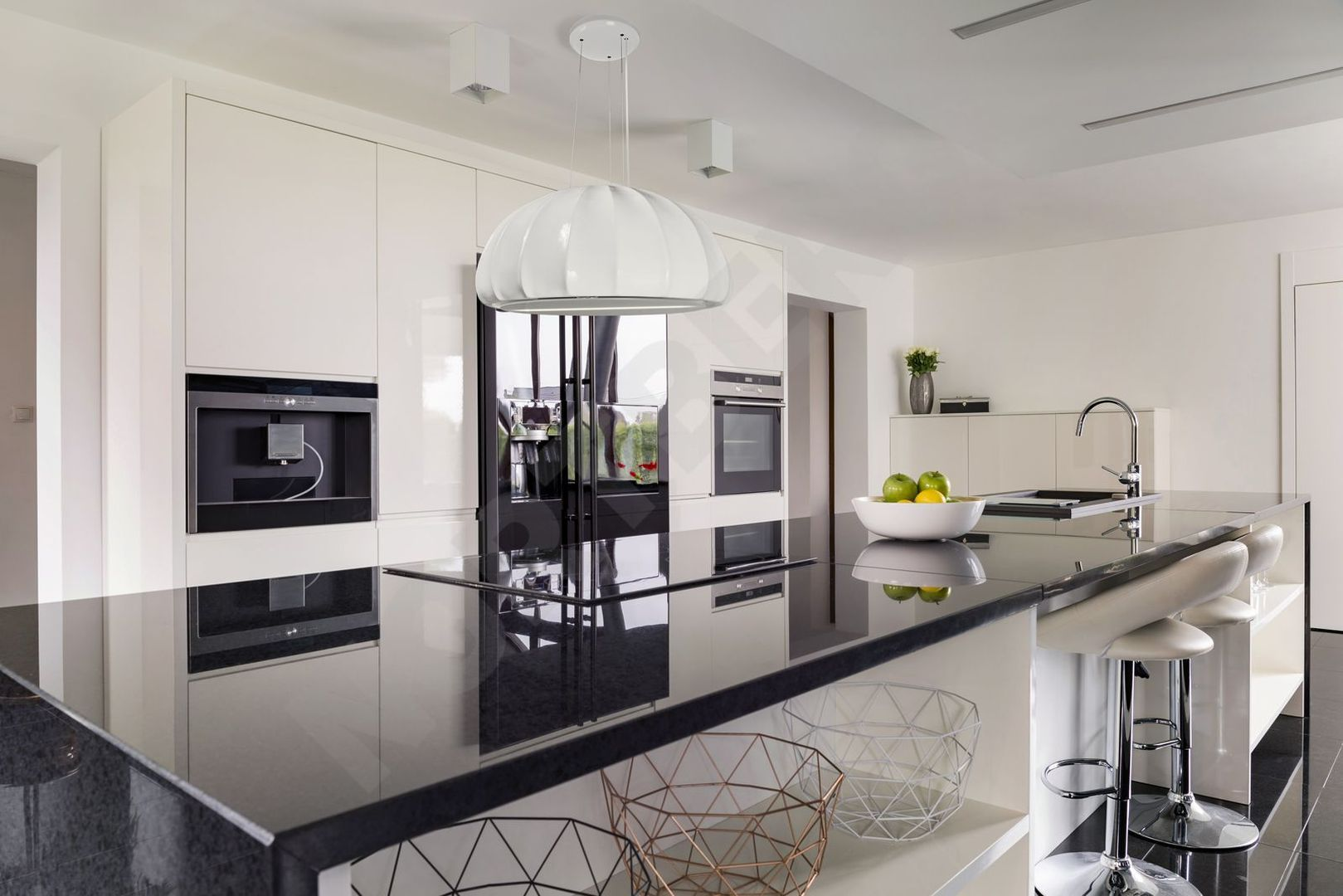 Tulip White Kitchen Island With Seating Kitchen Design Kitchen Island Design