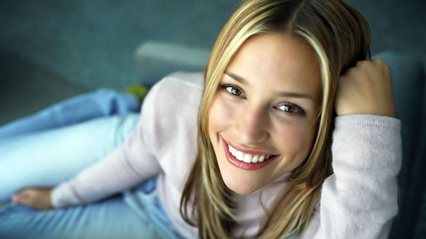 Piper Lisa Perabo I have had a huge crush on Piper Perabo ever since her  breakthrough role in Coyote Ugly. Coyote Ugly helped launch her into films  suck as ...