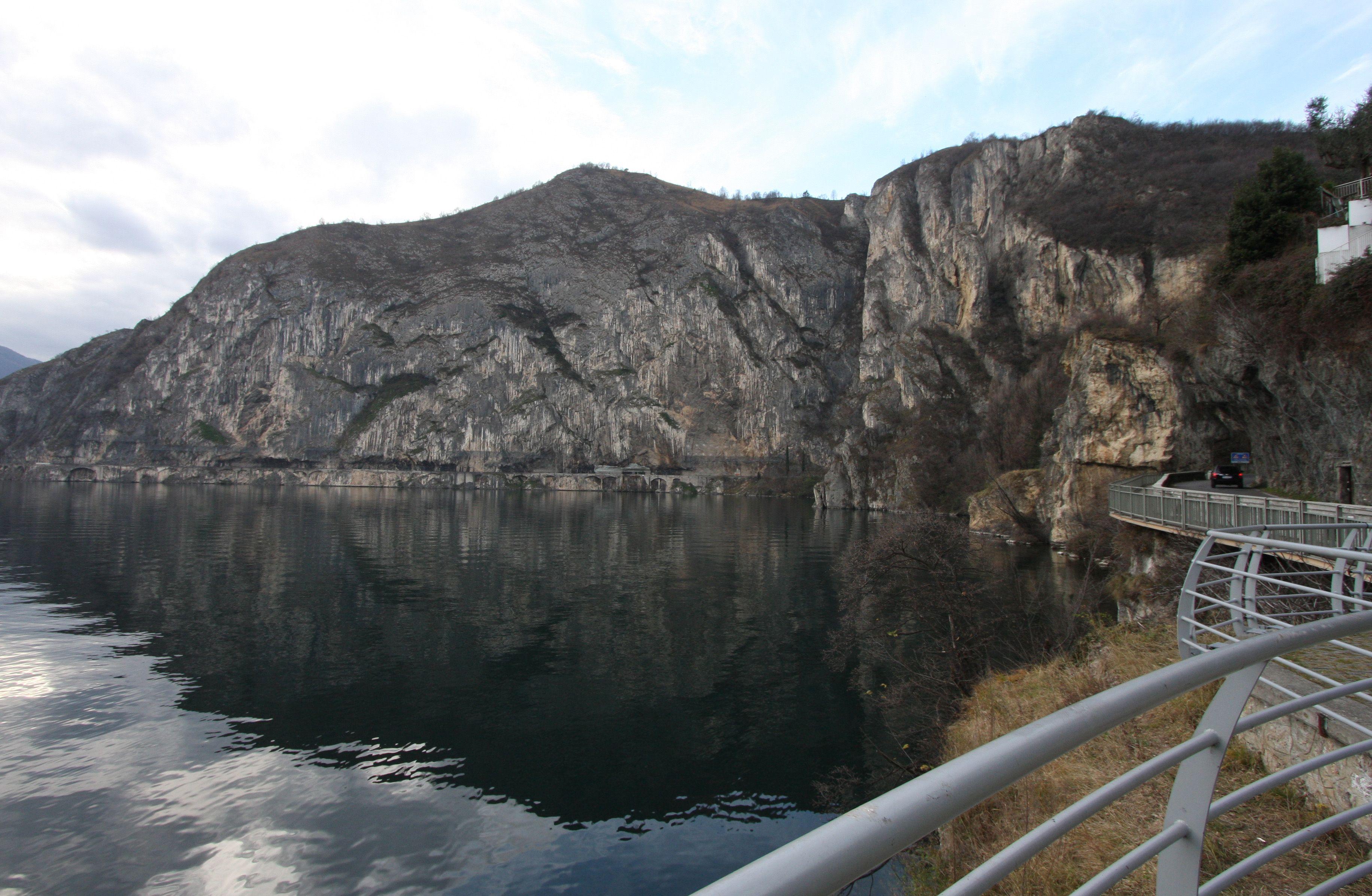 """Lake Iseo l'Orrido di Castro ( il famoso """"Bögn"""" ) www.centrostoricosarnico.it"""