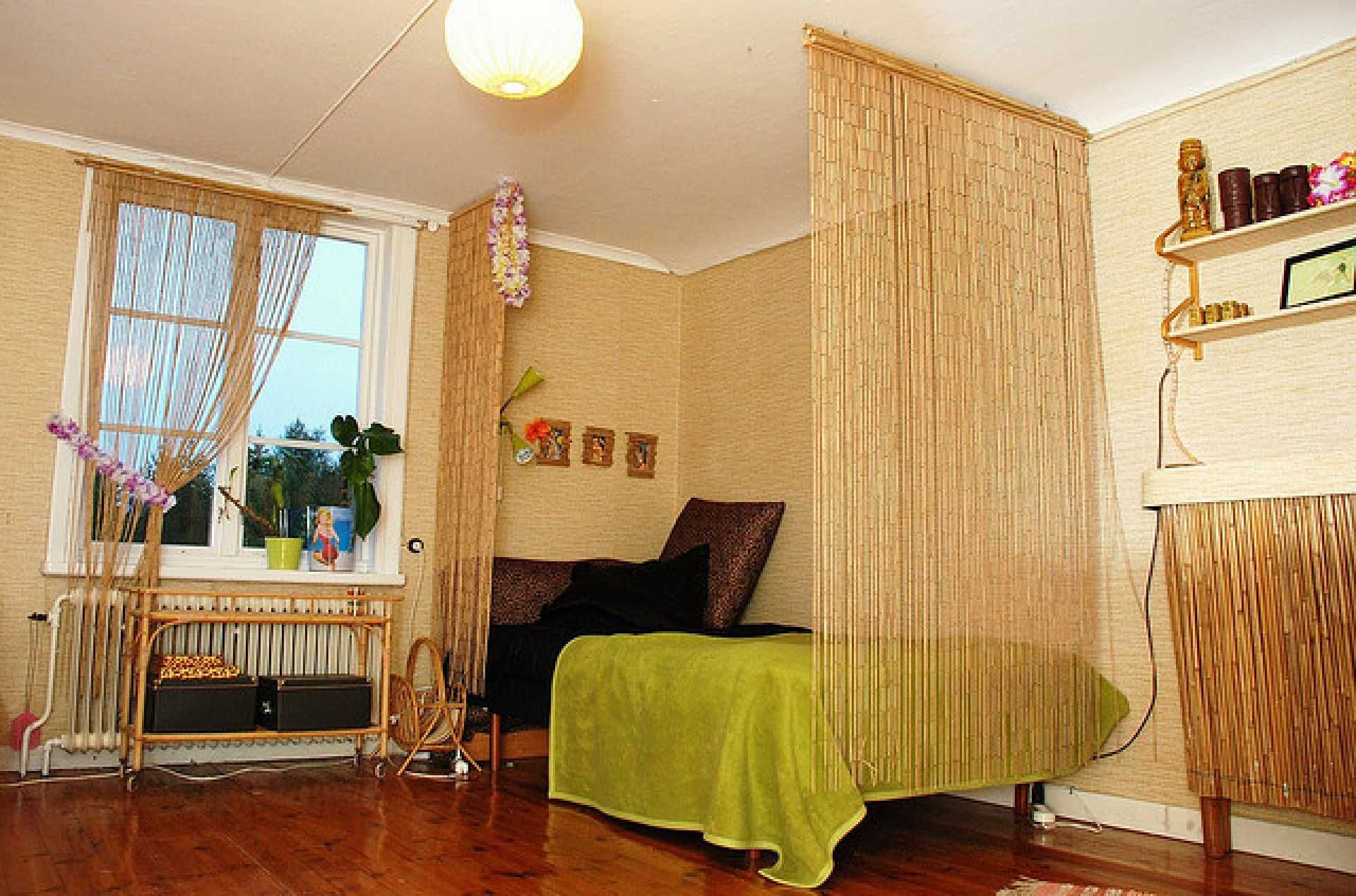 bamboo bedroom interior design and some modern curtain