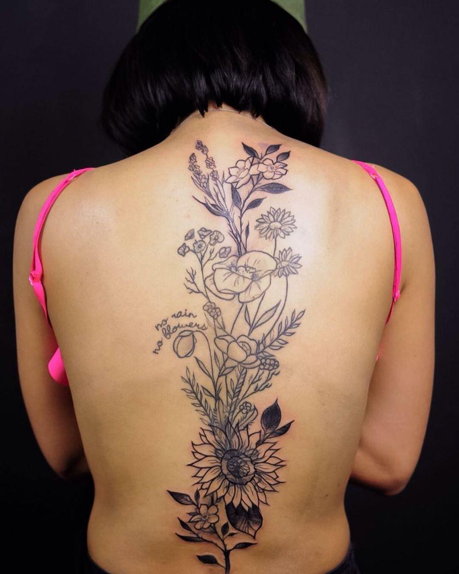 Flower Back Tattoo : flower, tattoo, Floral, Tattoo, Tattoos,, Spine, Tattoos, Women