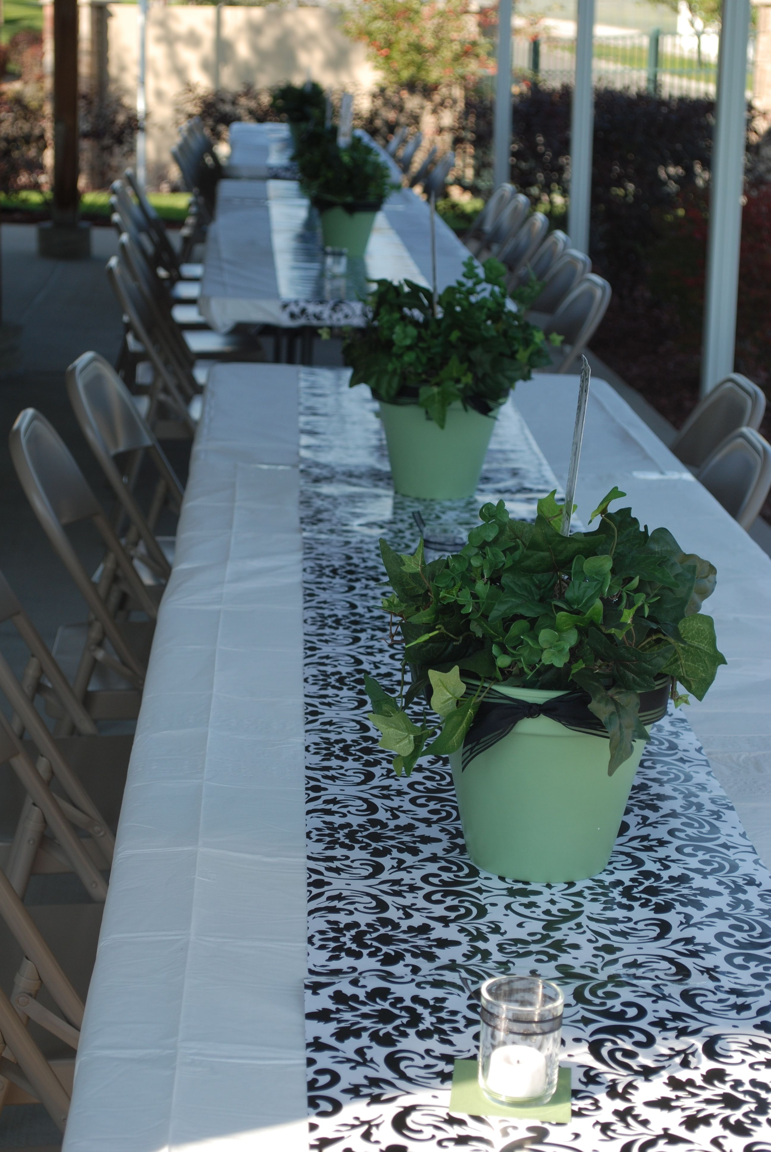 Table decorations from mom 39 s party moms 70th birthday for Decoration 70th birthday